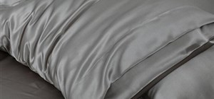 Improve your Skin, Hair and Health with Silk Pillow Cases